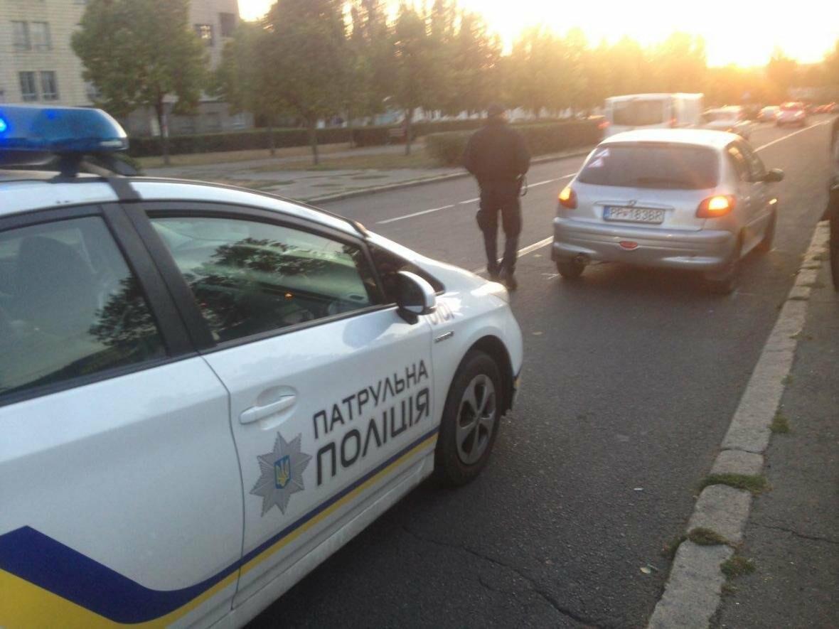 """ДТП в центре Николаева: Opel """"влетел"""" в Peugeot, - ФОТО , фото-3"""