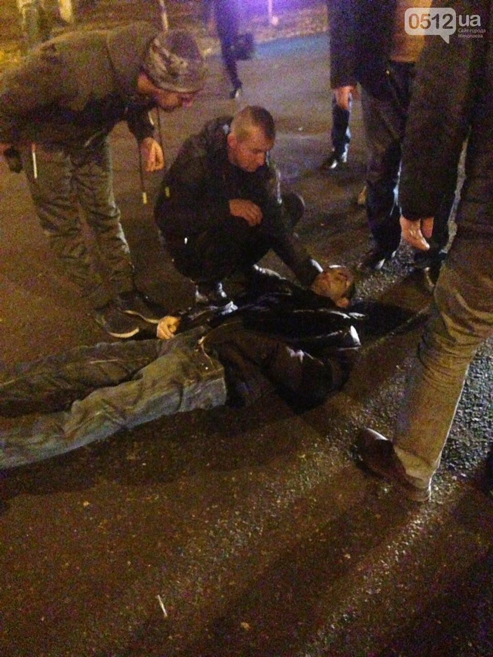 """В Николаеве """"маршрутка"""" сбила перебегавшего на """"красный"""" пешехода, - ФОТО, фото-4"""