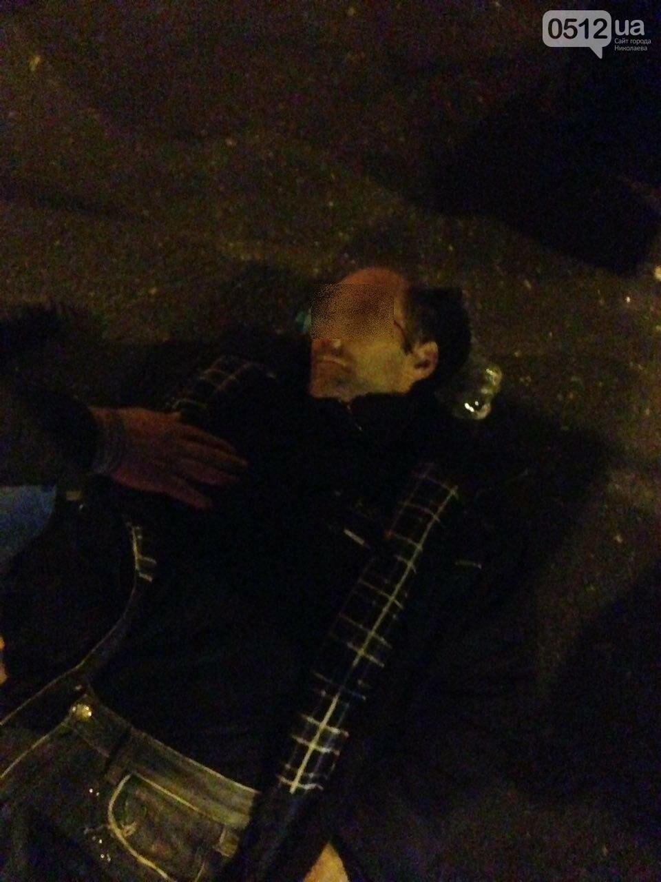 """В Николаеве """"маршрутка"""" сбила перебегавшего на """"красный"""" пешехода, - ФОТО, фото-7"""