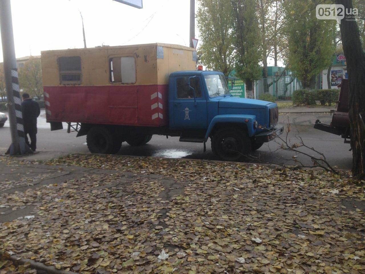 """В Николаеве жилой дом в очередной раз затопило водой - сотрудники """"водоканала"""" разводят руками, фото-5"""