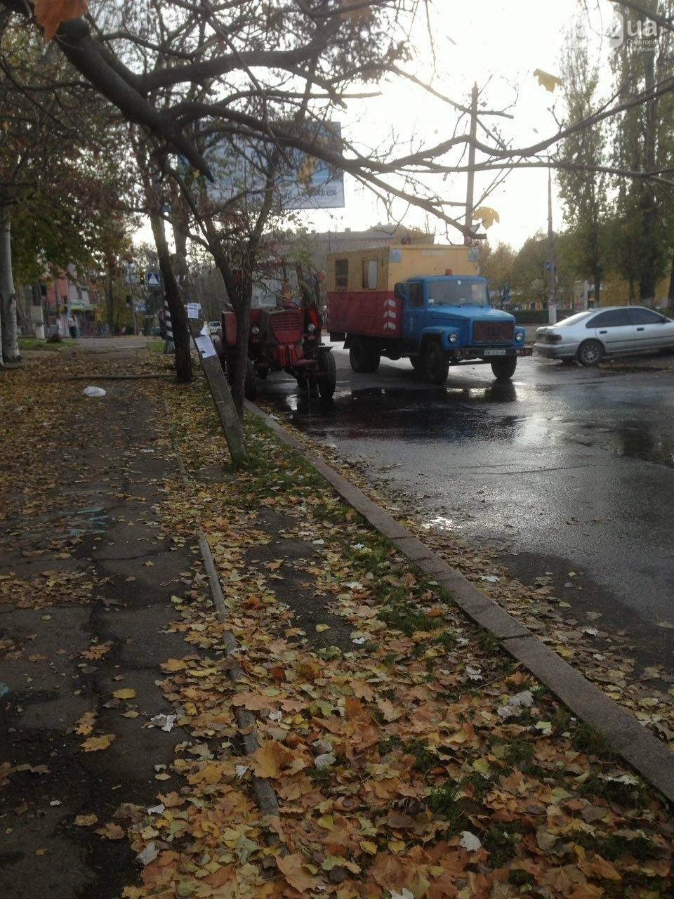 """В Николаеве жилой дом в очередной раз затопило водой - сотрудники """"водоканала"""" разводят руками, фото-1"""
