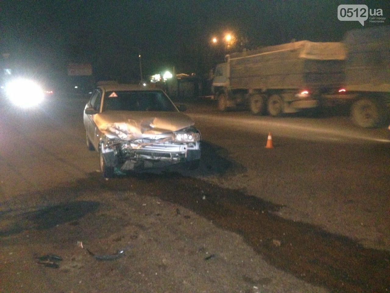 Очередное ДТП в Николаеве:  грузовик не разминулся с автомобилем ВАЗ 2110 (ФОТО), фото-5
