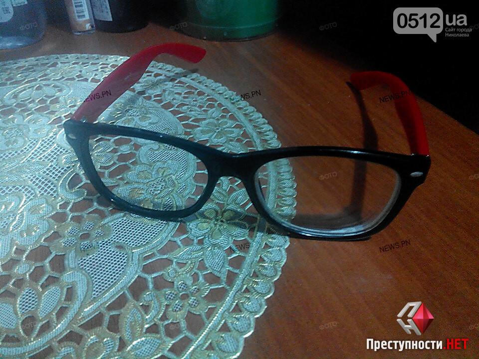 Разбиты телефон и очки: В Николаеве неизвестный напал на корреспондента издания «NikLife» (ФОТО), фото-3