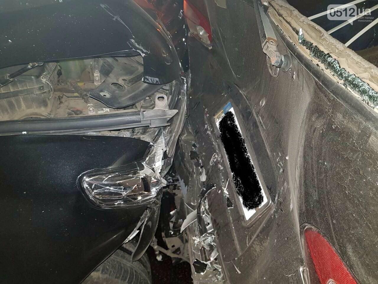 """В Николаеве """"Toyota Land Cruiser"""" спровоцировал ДТП с участием пяти автомобилей, - ФОТО, фото-5"""