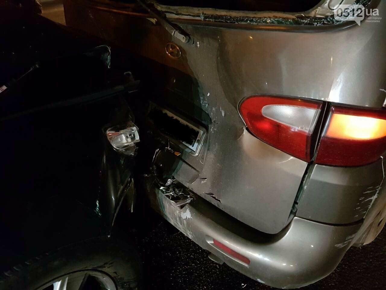 """В Николаеве """"Toyota Land Cruiser"""" спровоцировал ДТП с участием пяти автомобилей, - ФОТО, фото-3"""