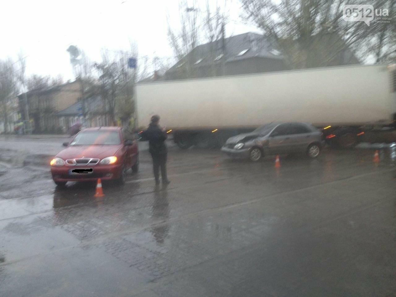 Из-за аварии на ул.Пушкинской центр Николаева стоит в пробке (ФОТО), фото-3