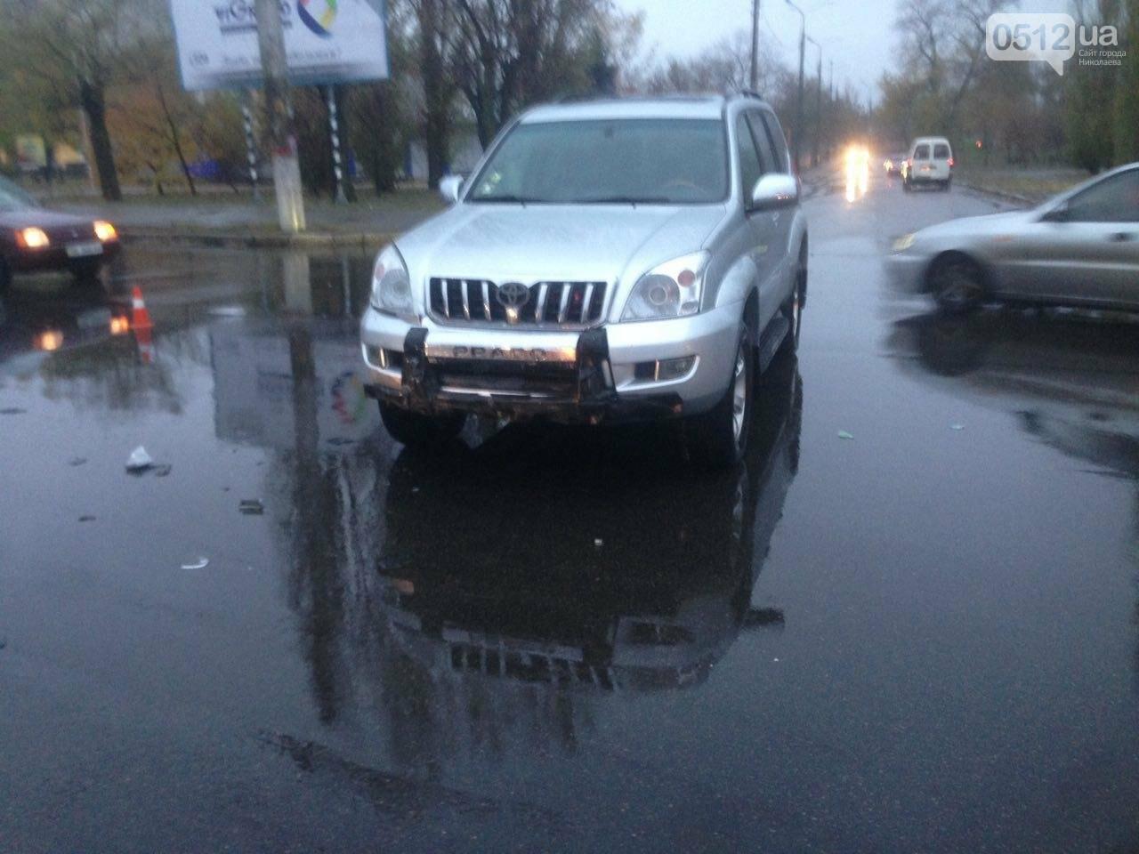 Возле спортшколы Надежда в Николаеве столкнулись Toyota и Subaru, - ФОТО , фото-2