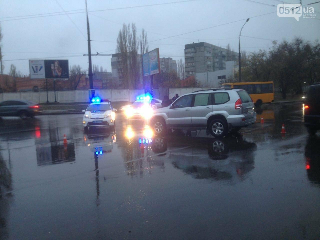 Возле спортшколы Надежда в Николаеве столкнулись Toyota и Subaru, - ФОТО , фото-7