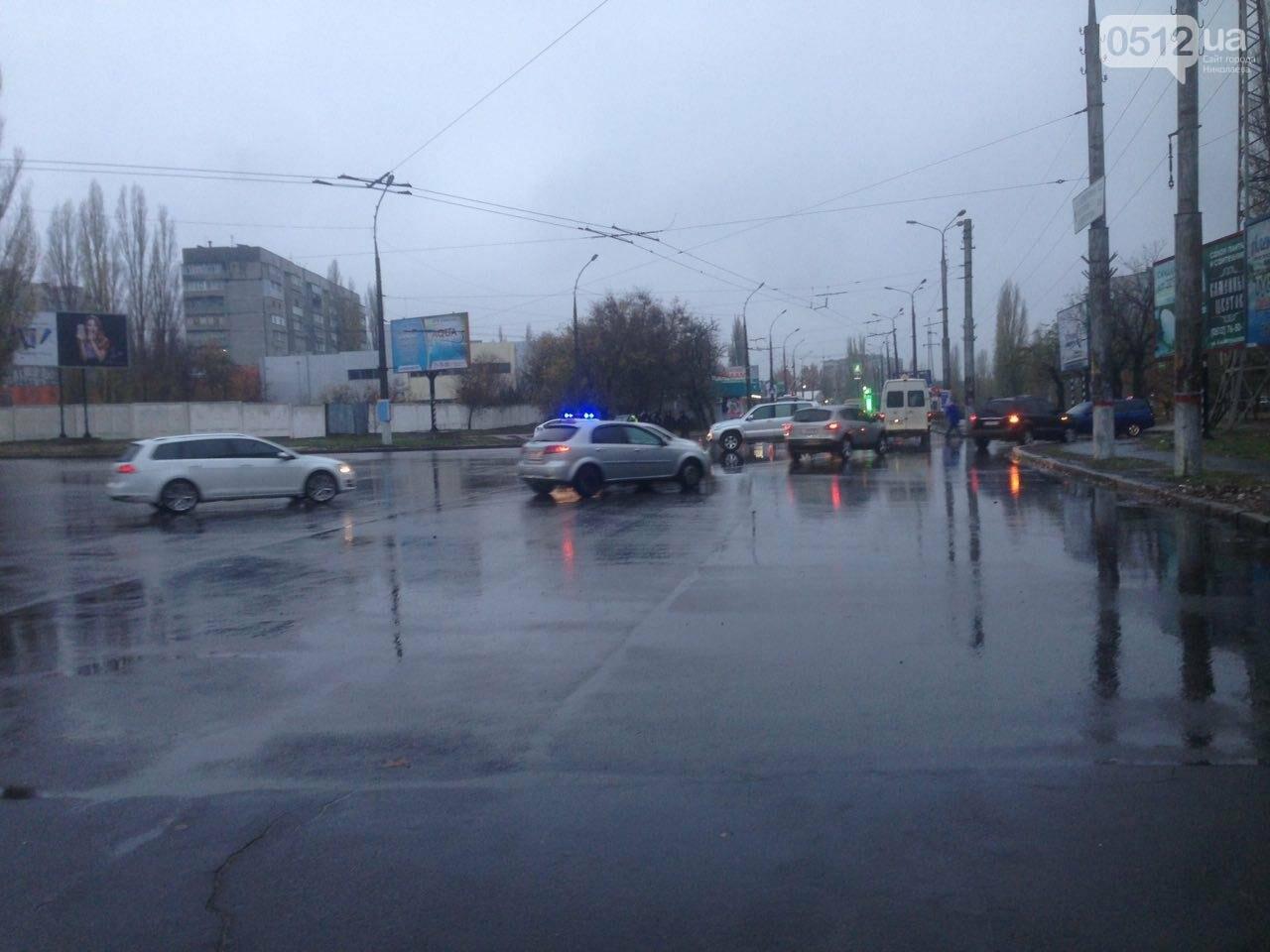 Возле спортшколы Надежда в Николаеве столкнулись Toyota и Subaru, - ФОТО , фото-9