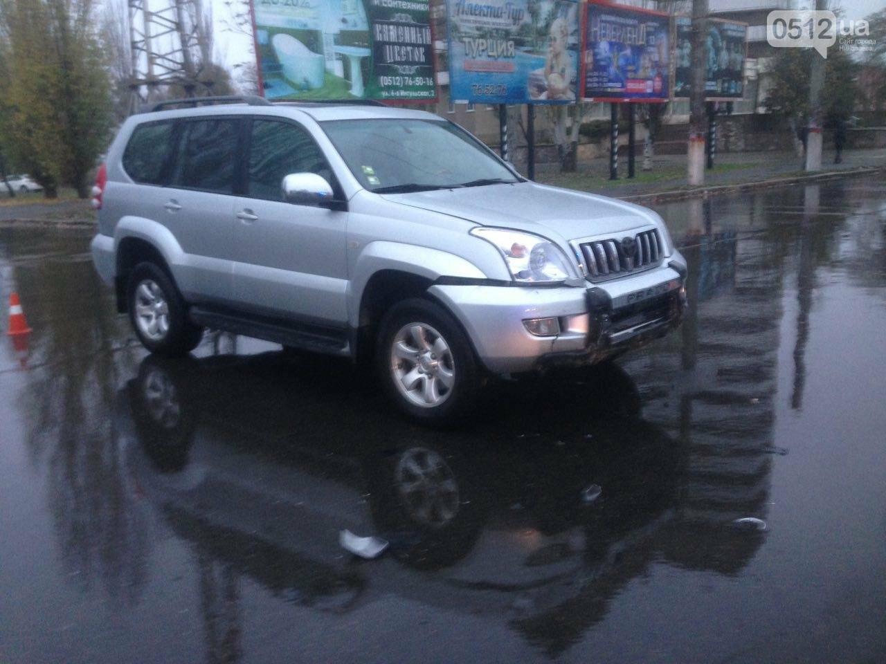 Возле спортшколы Надежда в Николаеве столкнулись Toyota и Subaru, - ФОТО , фото-8