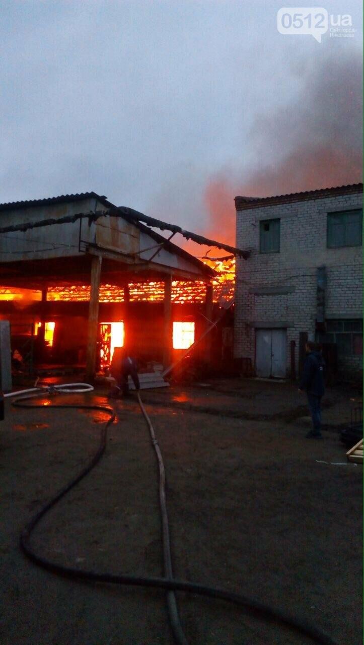Масштабный пожар в Николаеве - горит  склад с древесиной, ФОТО, фото-3
