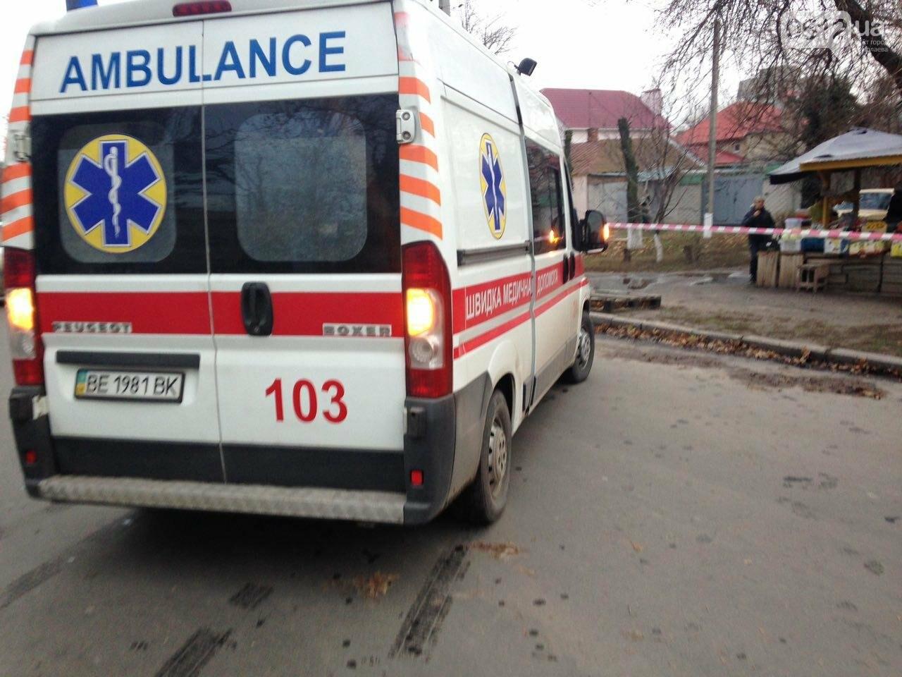 В Николаеве перевернулся микроавтобус, в котором студенты университета культуры возвращались с благотворительной акции, есть пострадавшие, фото-3