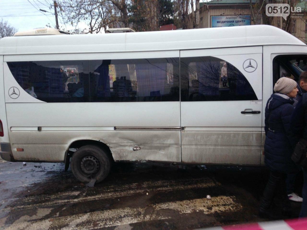 В Николаеве перевернулся микроавтобус, в котором студенты университета культуры возвращались с благотворительной акции, есть пострадавшие, фото-4