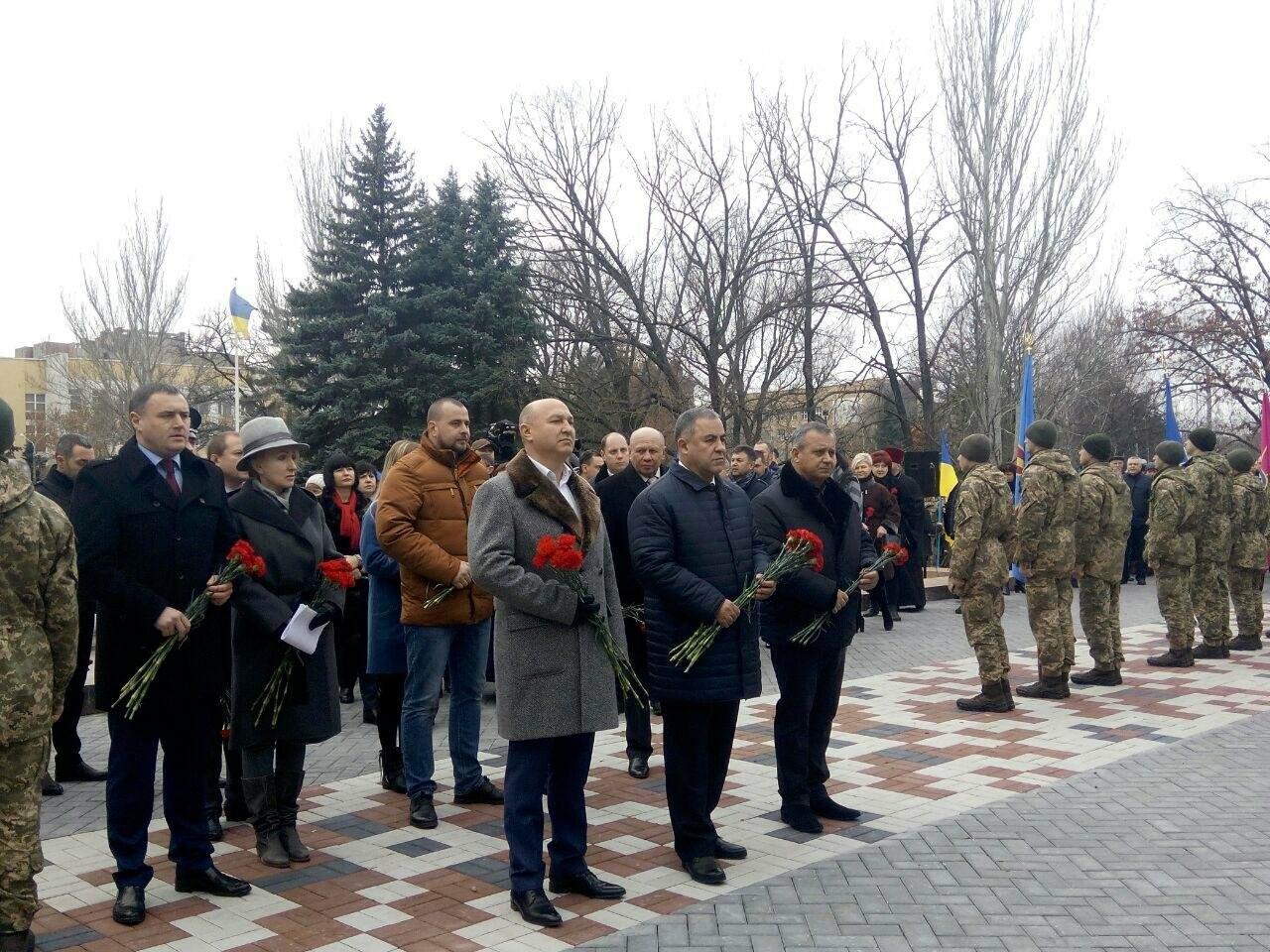 В Николаеве в День Вооруженных сил Украины почтили память погибших воинов АТО, ФОТО, фото-11