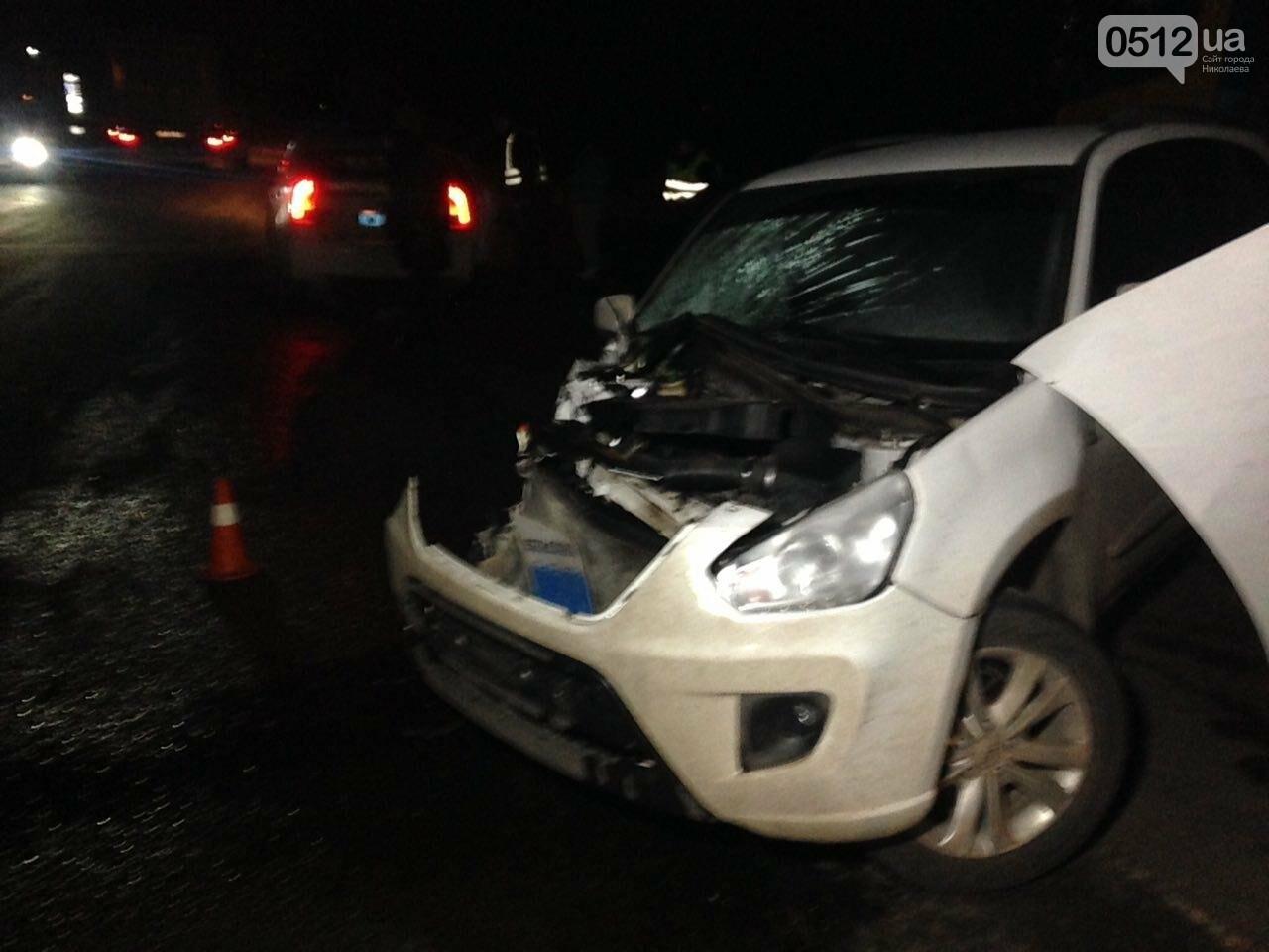 """На въезде в Николаев """"легковушка"""" лоб в лоб столкнулась с грузовиком - есть пострадавшие, - ФОТО, ВИДЕО, фото-6"""