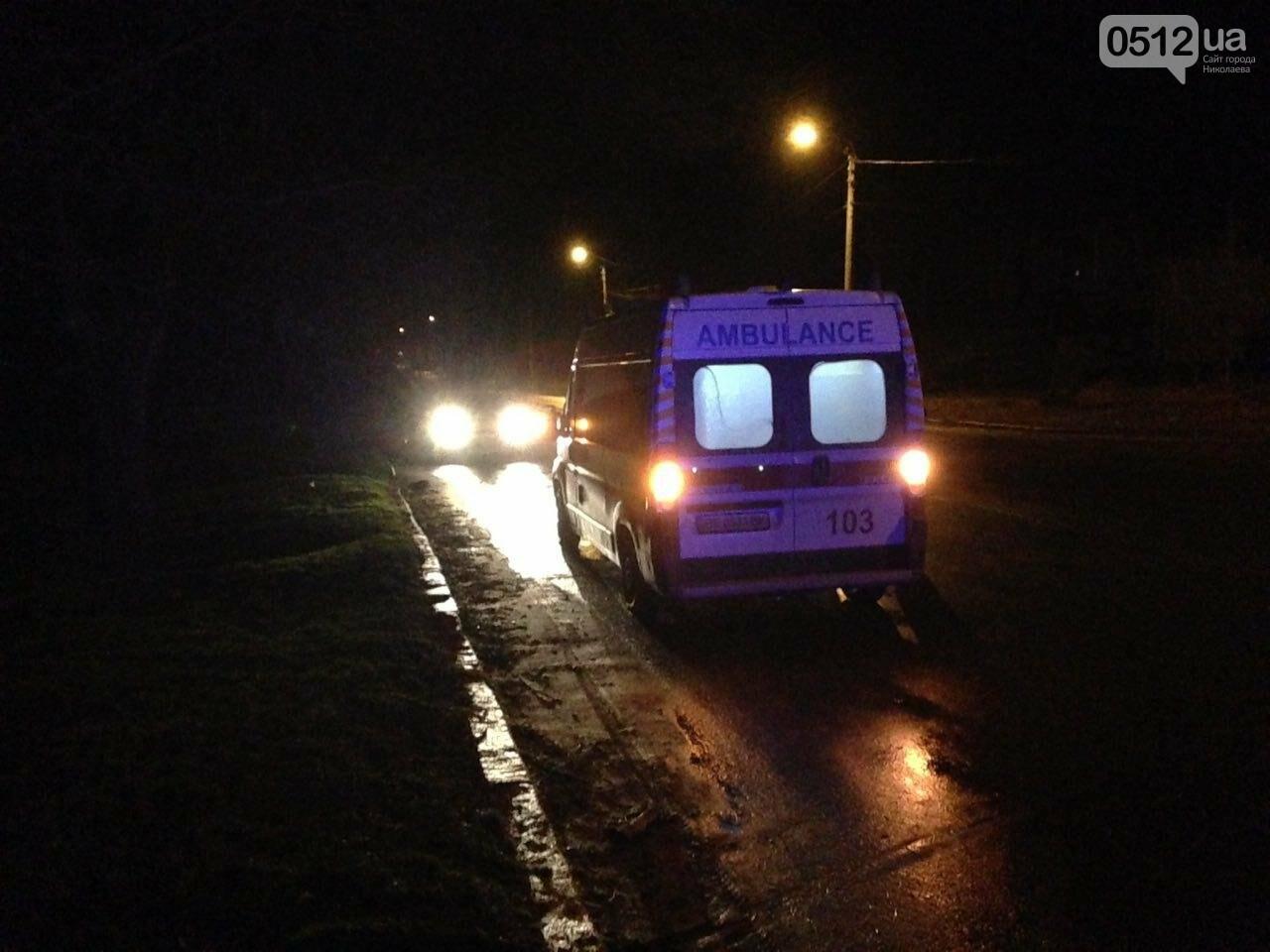 Страшное ДТП в Николаеве: 2 парня и 2 девушки на Мазде влетели в дерево - водитель умер на месте аварии, - ФОТО, фото-2