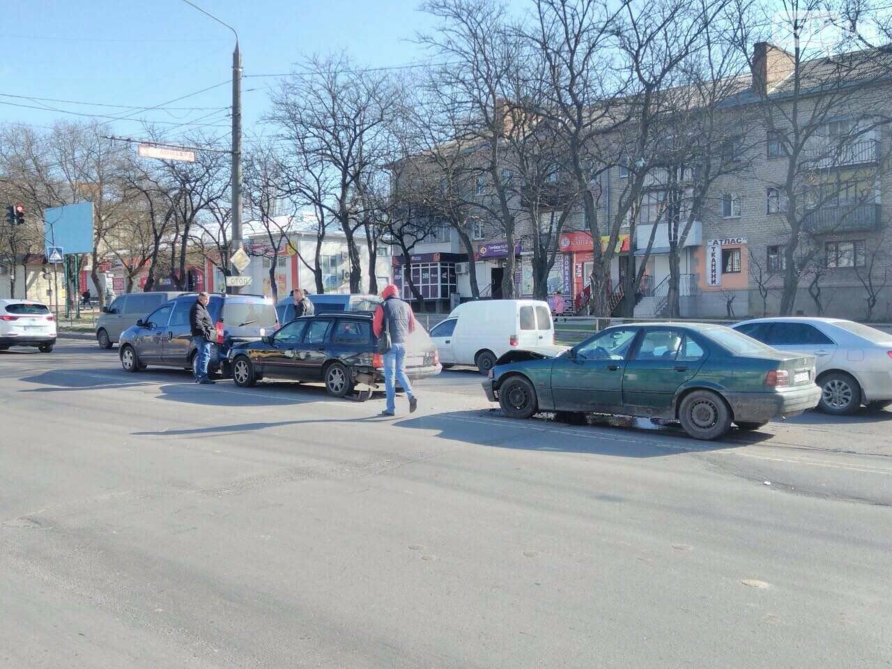 В Николаеве произошло тройное ДТП, - ФОТО, фото-2