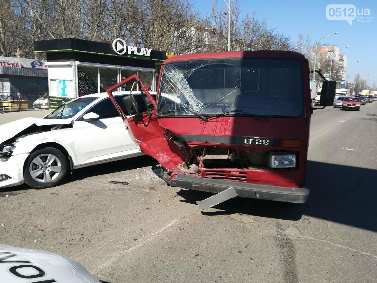 Авария в Николаеве: в результате ДТП пострадало четыре человека, среди них ребенок, - ФОТО, фото-2