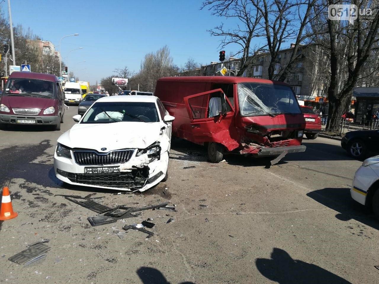 Авария в Николаеве: в результате ДТП пострадало четыре человека, среди них ребенок, - ФОТО, фото-3