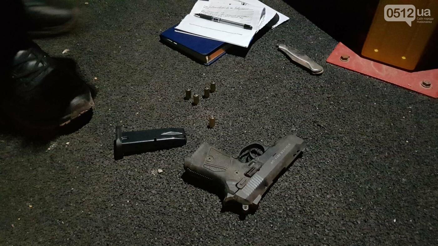 Ночью в Николаеве устроили разборки со стрельбой: есть пострадавшие, - ФОТО, ВИДЕО, фото-9
