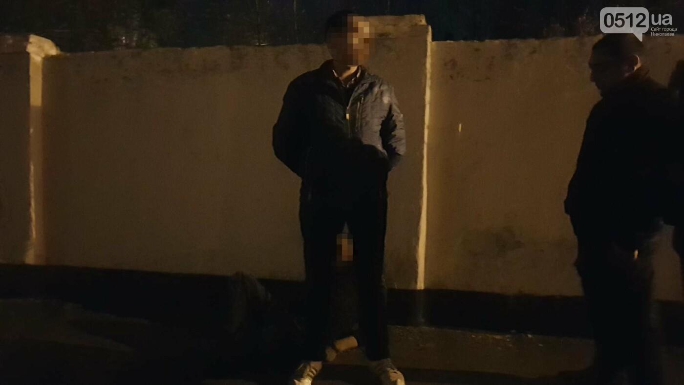 Ночью в Николаеве устроили разборки со стрельбой: есть пострадавшие, - ФОТО, ВИДЕО, фото-11