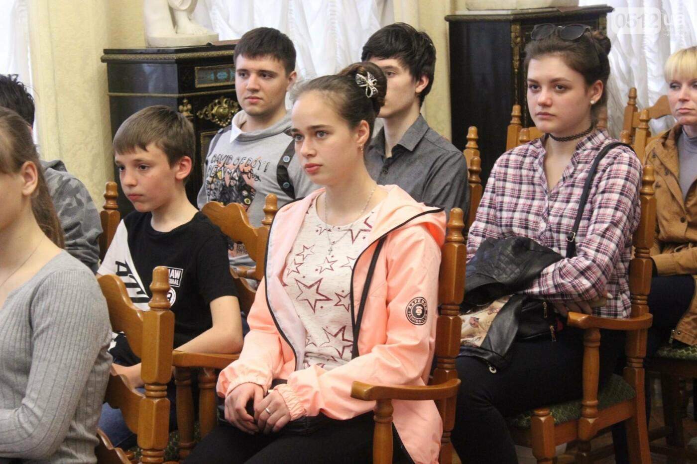 В Николаевском художественном музее рассказали, как подделывать картины, - ФОТО, фото-17