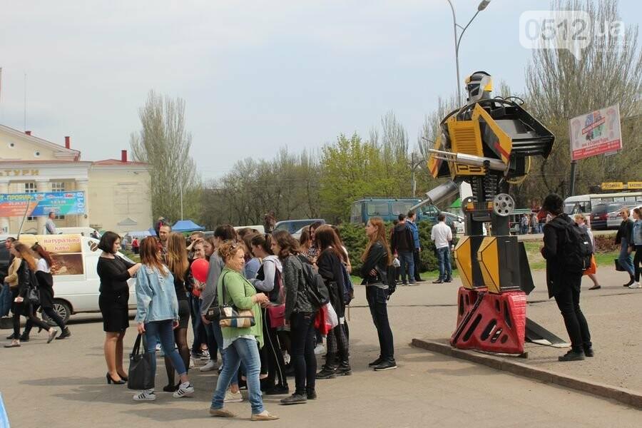 Когда стоит бросать университет и почему стоит заниматься спортом: в Николаеве состоялся мотивационный фестиваль для молодежи, - ФОТОРЕПОРТАЖ, фото-9