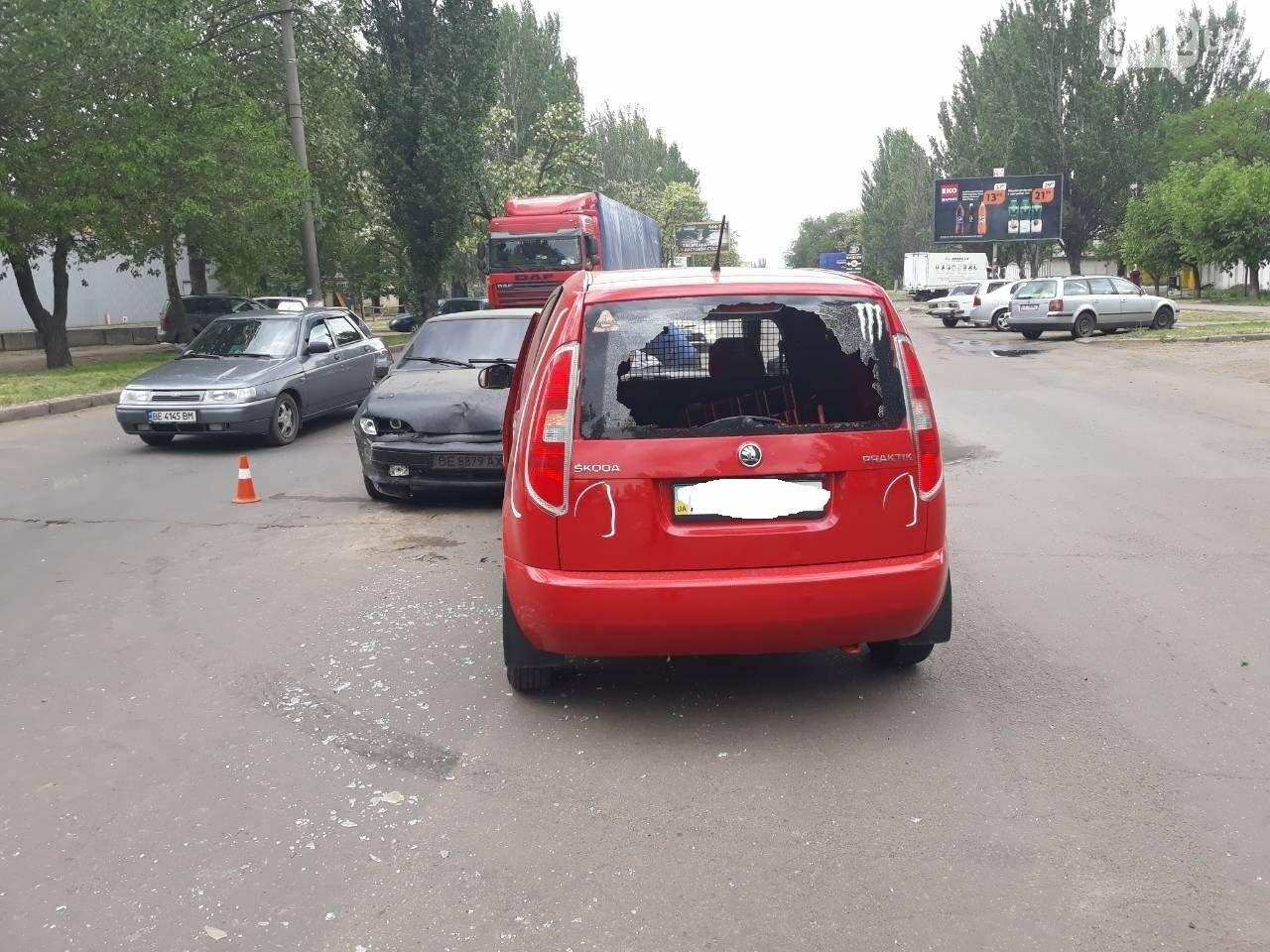 ДТП на выезде из Николаева: столкнулись автомобиль «Coca-cola» и ВАЗ, - ФОТО, фото-6