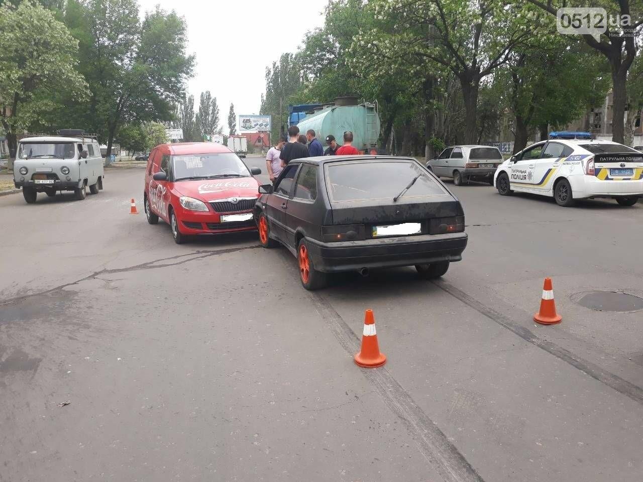 ДТП на выезде из Николаева: столкнулись автомобиль «Coca-cola» и ВАЗ, - ФОТО, фото-5