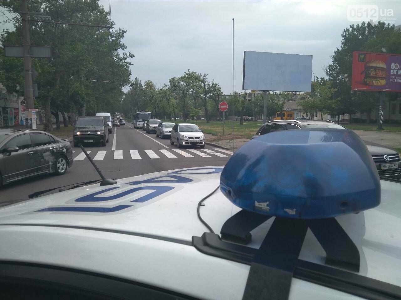 В центре Николаева произошла авария с участием автомобиля автошколы, - ФОТО, фото-1