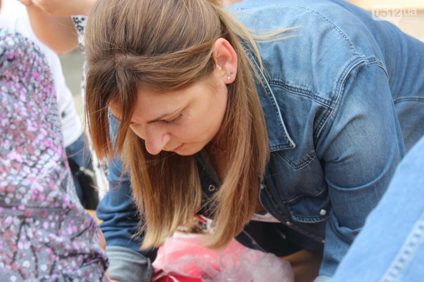 В Николаеве прошла акция по изготовлению маков, - ФОТО , фото-10