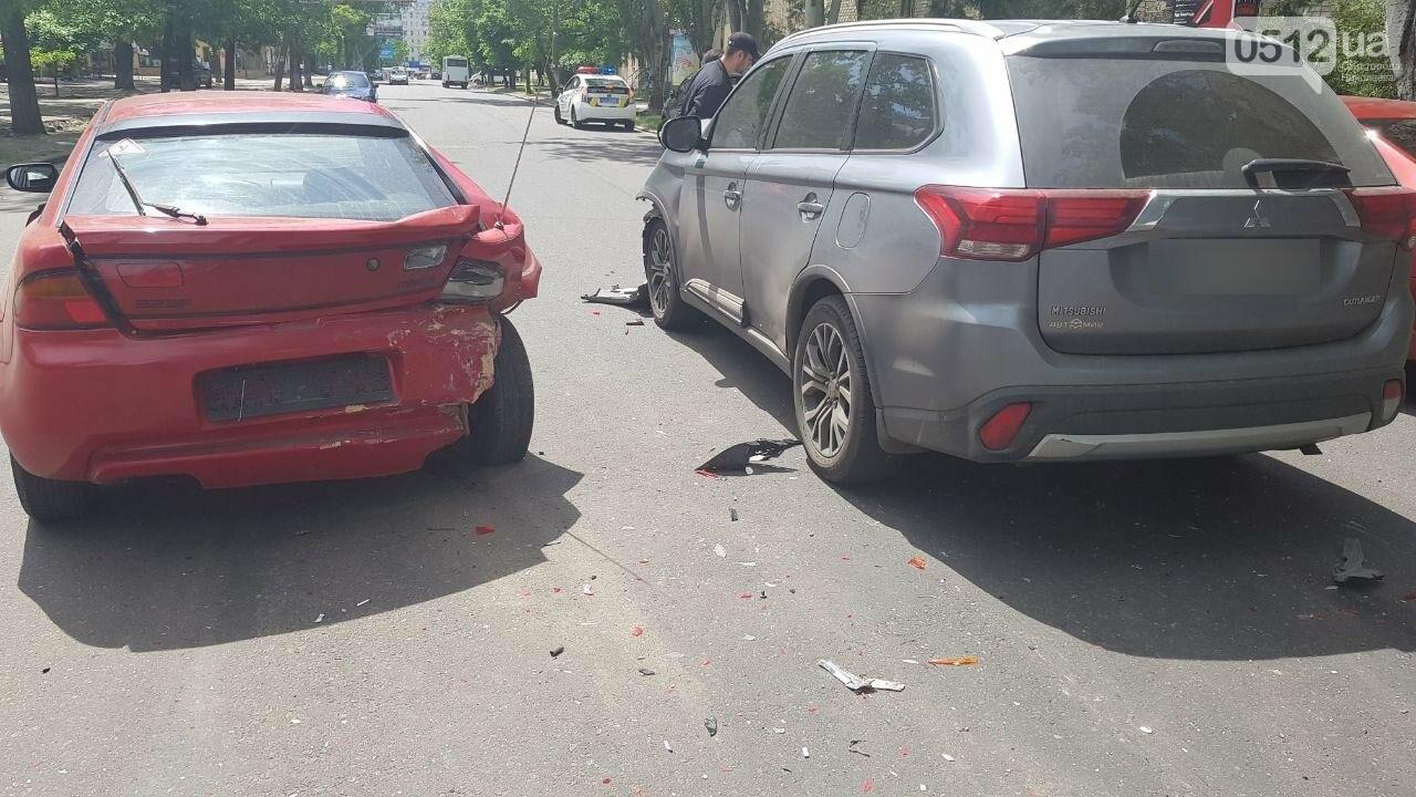 В Николаеве по пути на Намыв столкнулись две иномарки, - ФОТО, ВИДЕО, фото-5