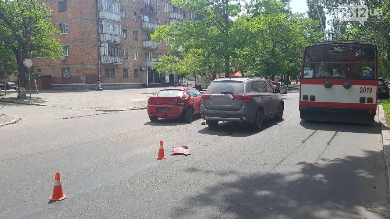 В Николаеве по пути на Намыв столкнулись две иномарки, - ФОТО, ВИДЕО, фото-8