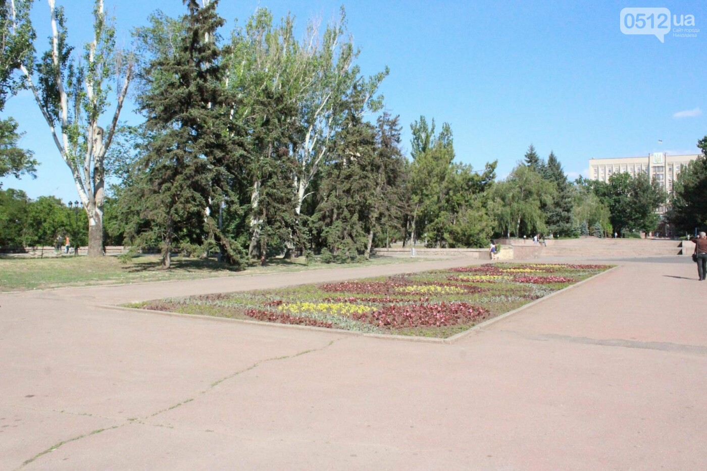 Соборную площадь в Николаеве готовят к приезду Петра Порошенко, - ФОТО, фото-6