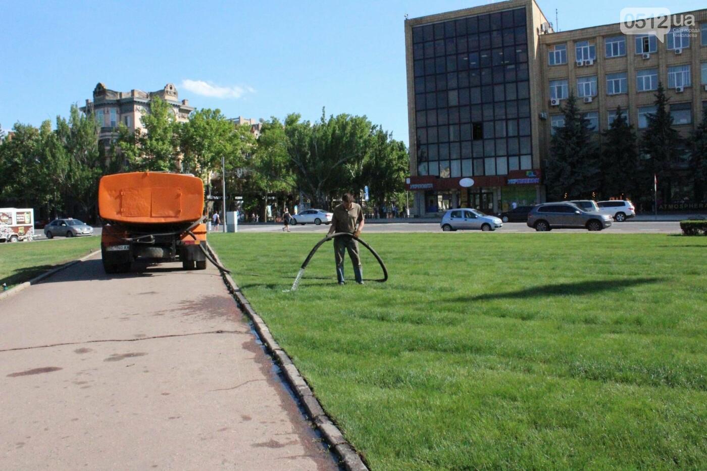 Соборную площадь в Николаеве готовят к приезду Петра Порошенко, - ФОТО, фото-3