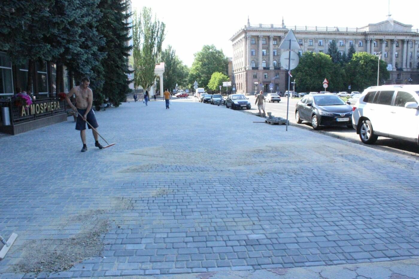 Соборную площадь в Николаеве готовят к приезду Петра Порошенко, - ФОТО, фото-7