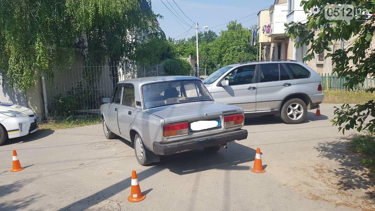 """В Николаеве не поделили дорогу полицейский автомобиль УМВД и """"БМВ"""", - ФОТО, фото-8"""