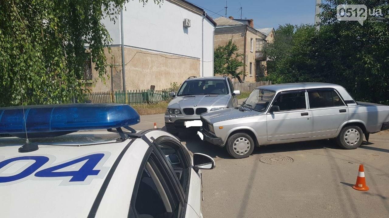 """В Николаеве не поделили дорогу полицейский автомобиль УМВД и """"БМВ"""", - ФОТО, фото-6"""