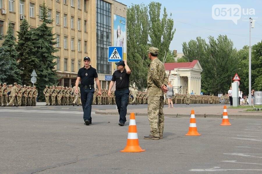 """""""Торжественно клянусь"""": в Николаеве около 300 военнослужащих приняли присягу, - ФОТОРЕПОРТАЖ, фото-12"""