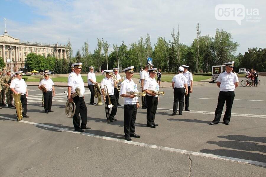 """""""Торжественно клянусь"""": в Николаеве около 300 военнослужащих приняли присягу, - ФОТОРЕПОРТАЖ, фото-3"""