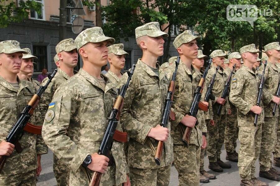 """""""Торжественно клянусь"""": в Николаеве около 300 военнослужащих приняли присягу, - ФОТОРЕПОРТАЖ, фото-17"""