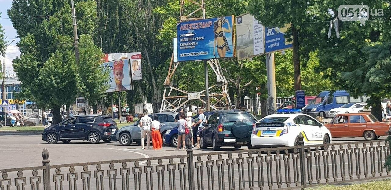 "В Николаеве произошло ДТП с участием двух автомобилей марки ""Toyota"", - ФОТО, фото-3"