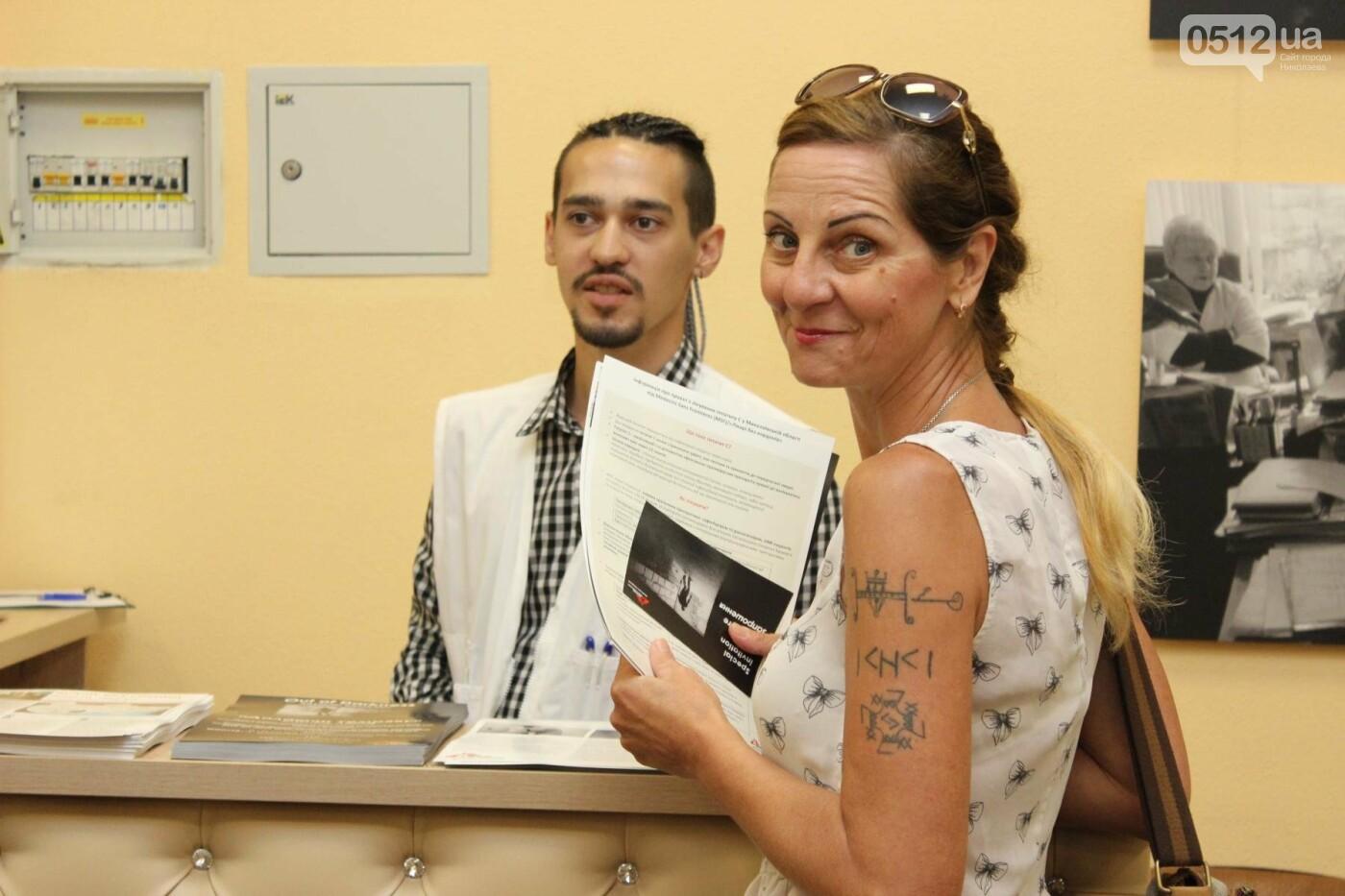 В Николаеве прошла фото-выставка людей, которые борются за жизнь, - ФОТО, фото-14
