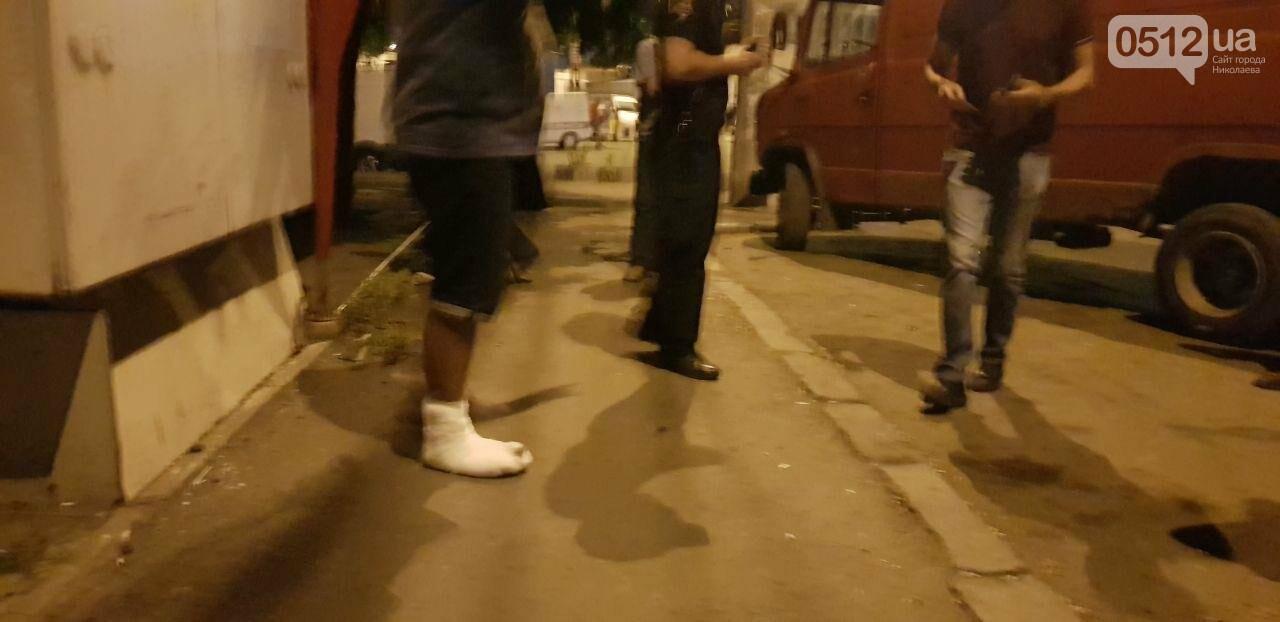 Мститель в гипсе: в Николаеве мужчина подставился под автомобиль, который, по его мнению, мешал проезду трамвая, - ФОТО, фото-1