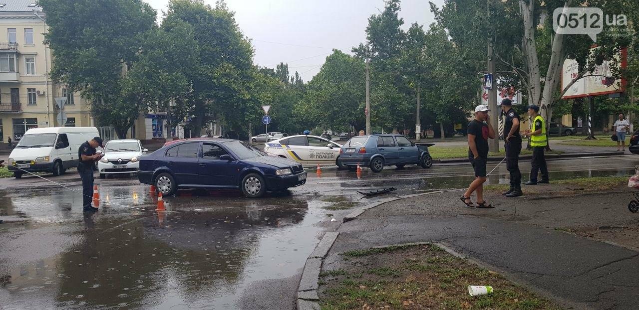 В центре Николаева столкнулись две легковушки: пострадала беременная женщина, - ФОТО, ВИДЕО , фото-5