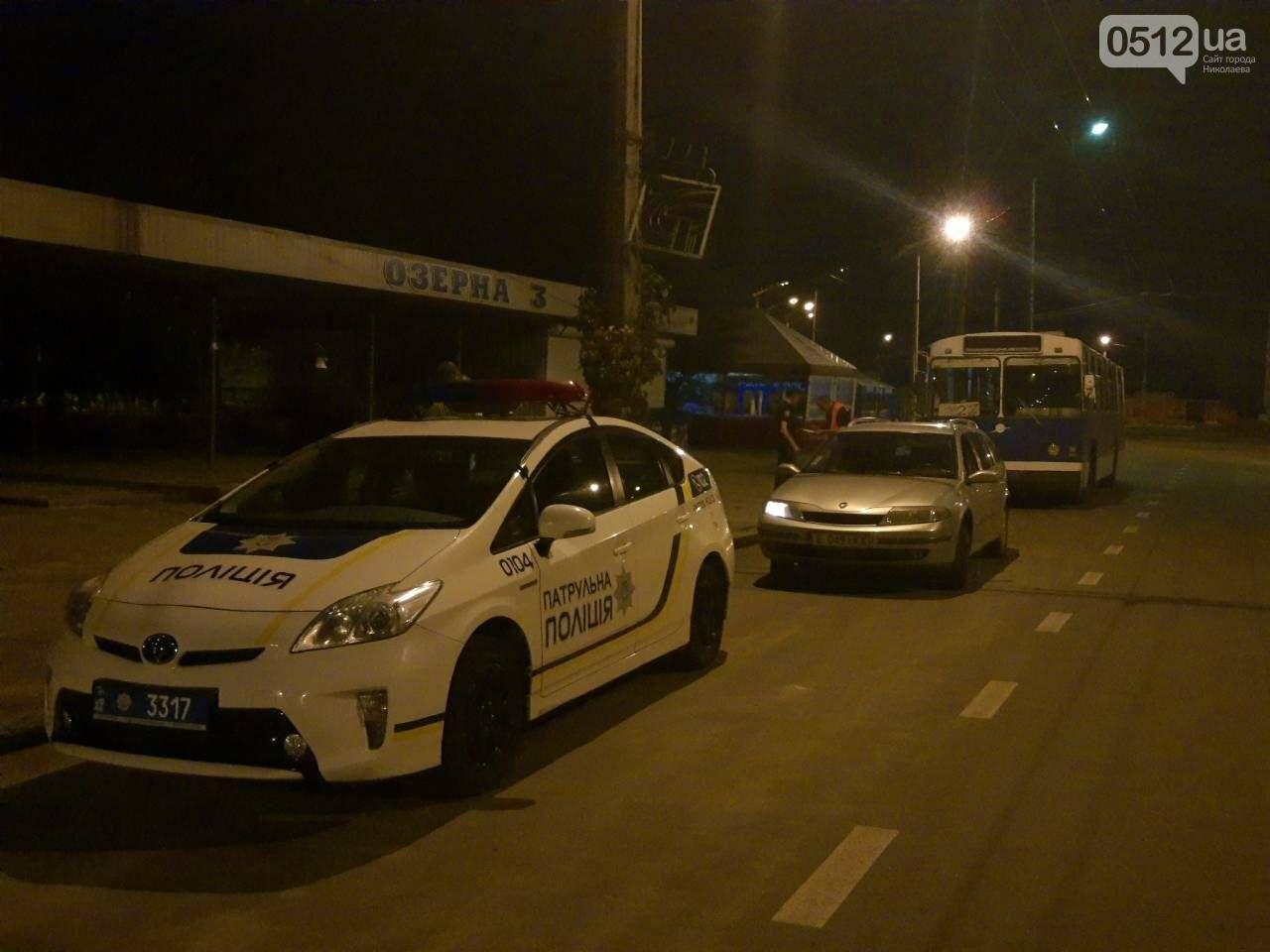 В Николаеве водитель троллейбуса №2 захлопнул двери и чуть не переехал ребенка, - ФОТО, фото-3