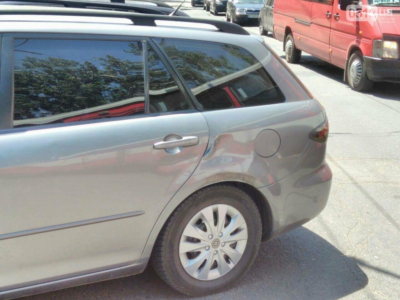 В центре Николаева фура врезалась в Mazda, - ФОТО, фото-1