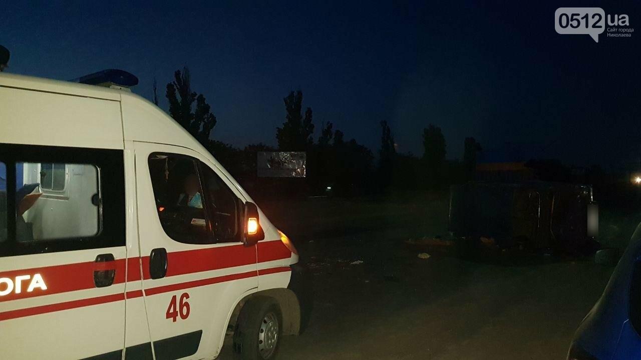 На въезде в Николаев микроавтобус врезался в ВАЗ - есть пострадавшие, - ФОТО, ВИДЕО, фото-18