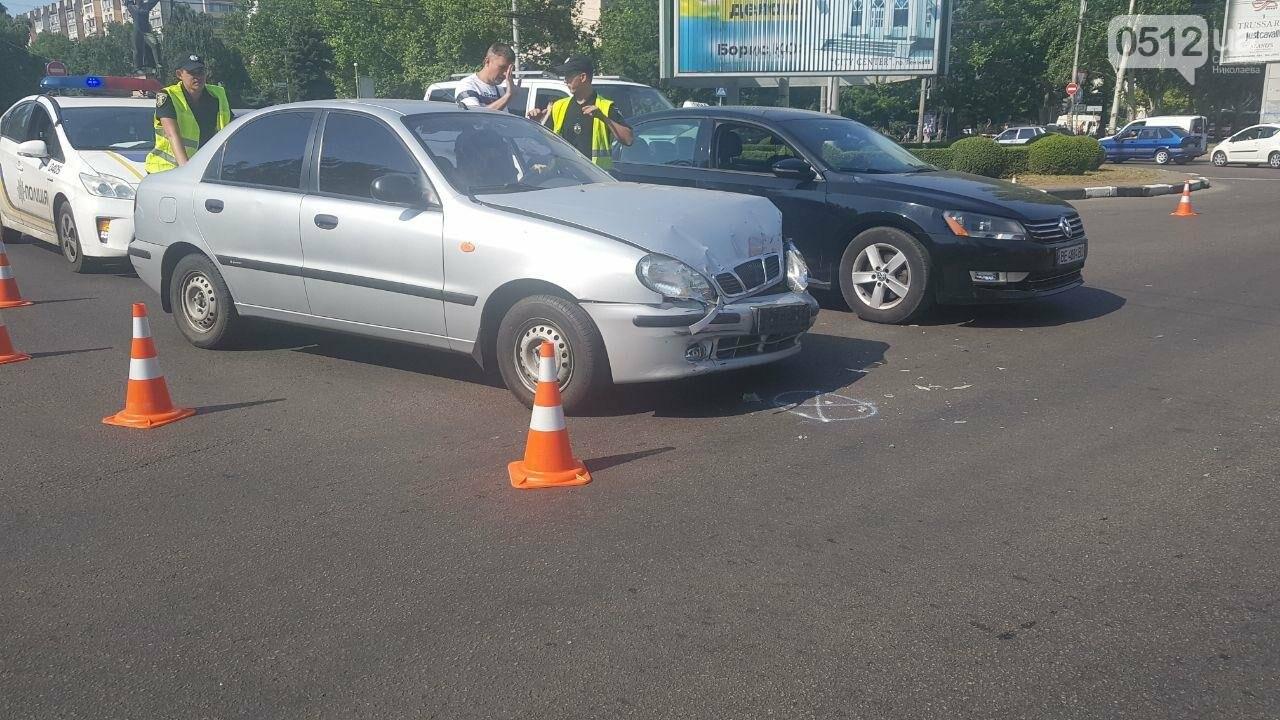 В центре Николаева столкнулись два автомобиля - образовалась огромная пробка, - ФОТО, фото-7