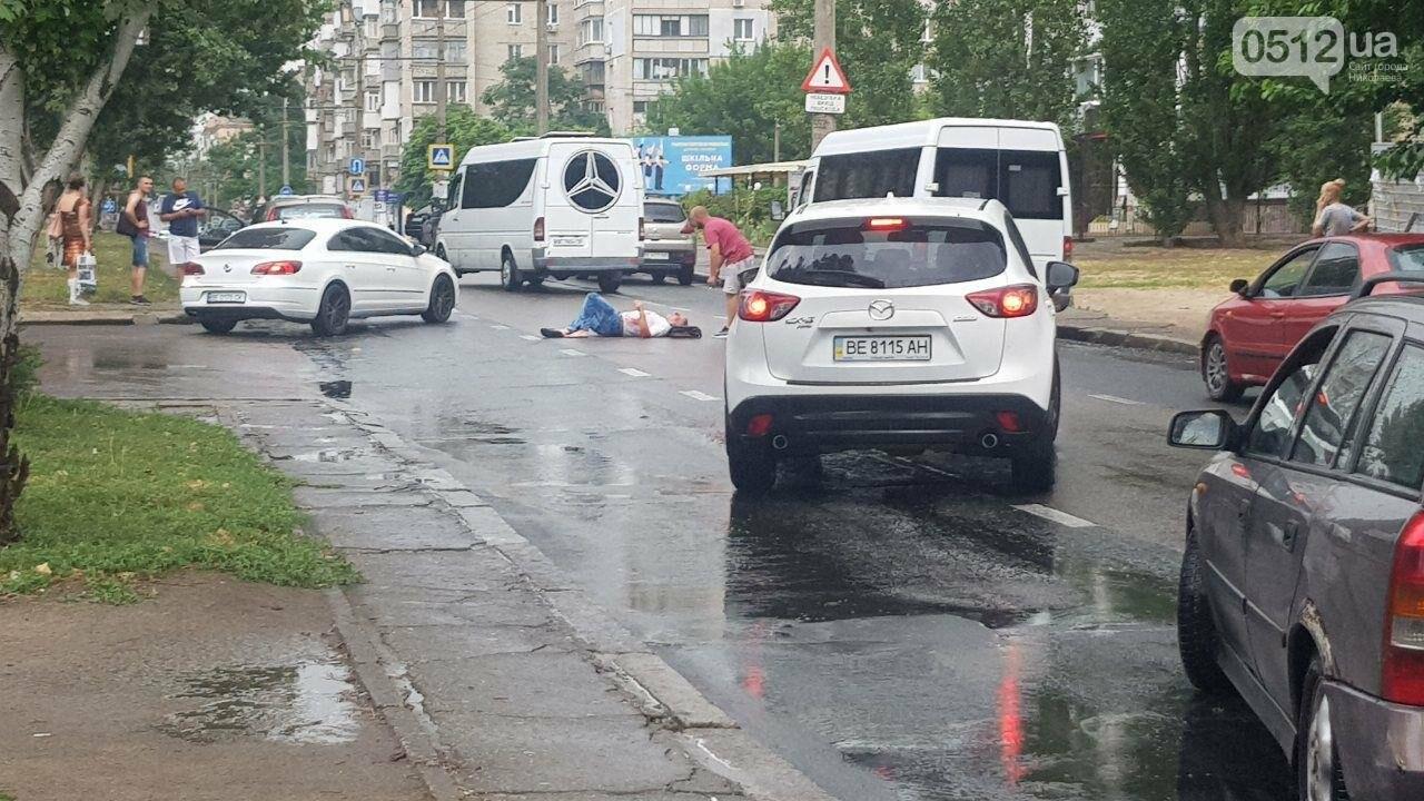 В центре Николаева Chevrolet сбил пешехода - пострадавшего госпитализировали, - ФОТО, ВИДЕО, фото-6